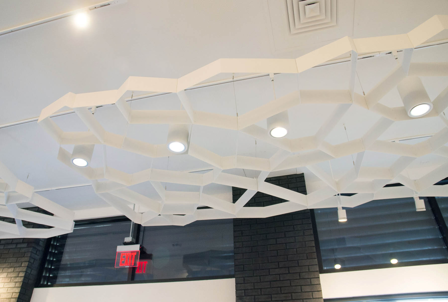 close up of Arktura Atmosphera® Pulse installed in Lululemon store.