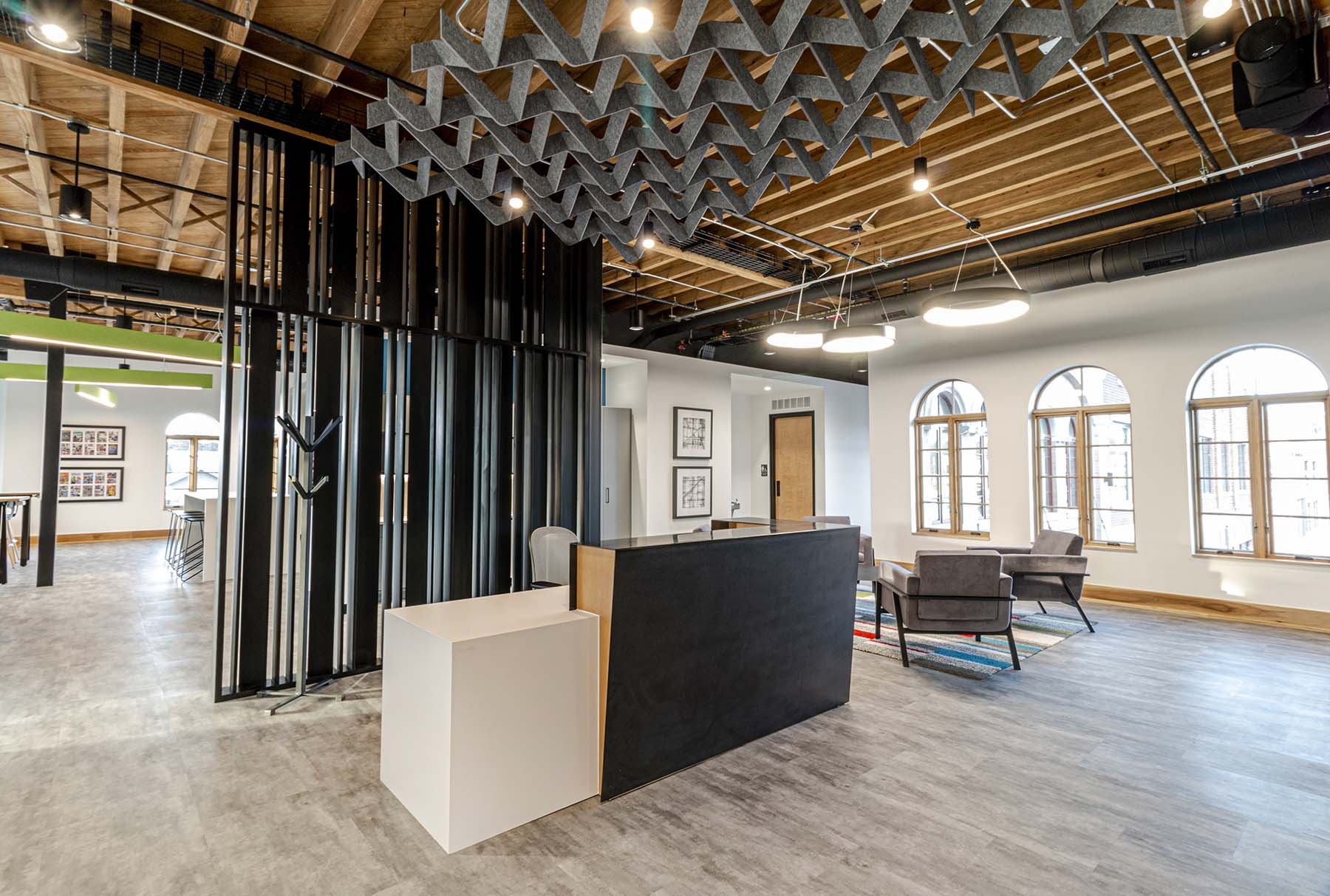 Arktura SoftGrid Wave installed in a corporate office