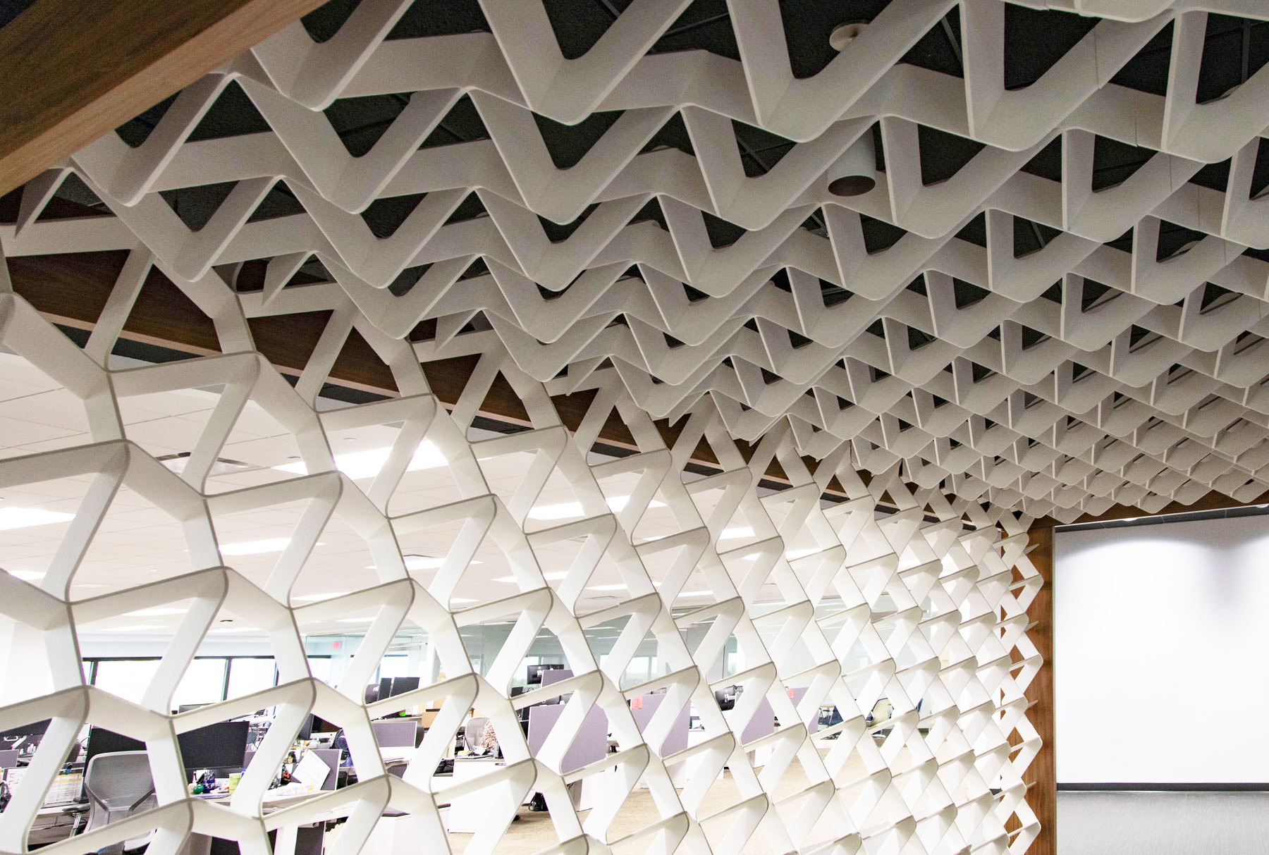 SoftGrid® Wave installed as acoustical ceiling and wall system at Sentry Insurance