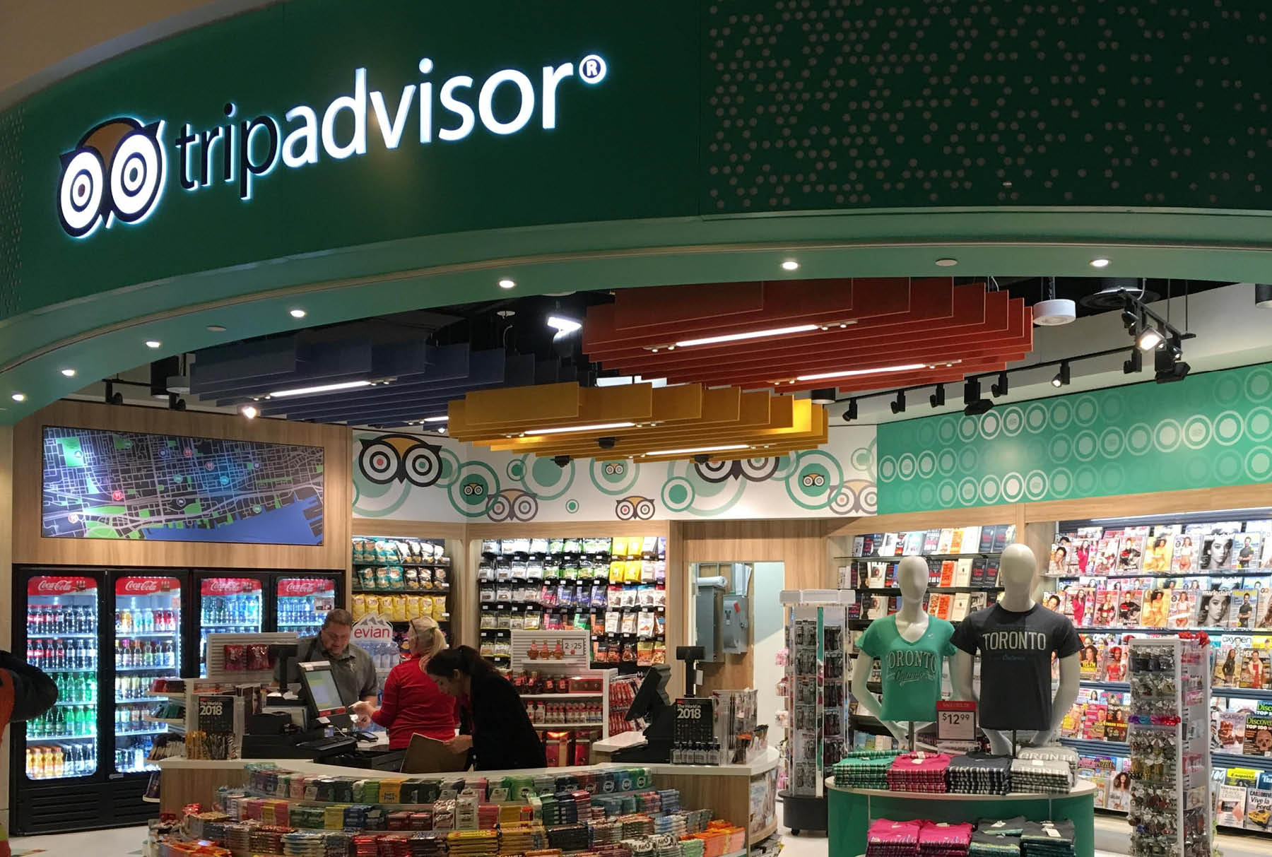 SoftGrid® Round acoustical system installed in Trip Advisor airport store