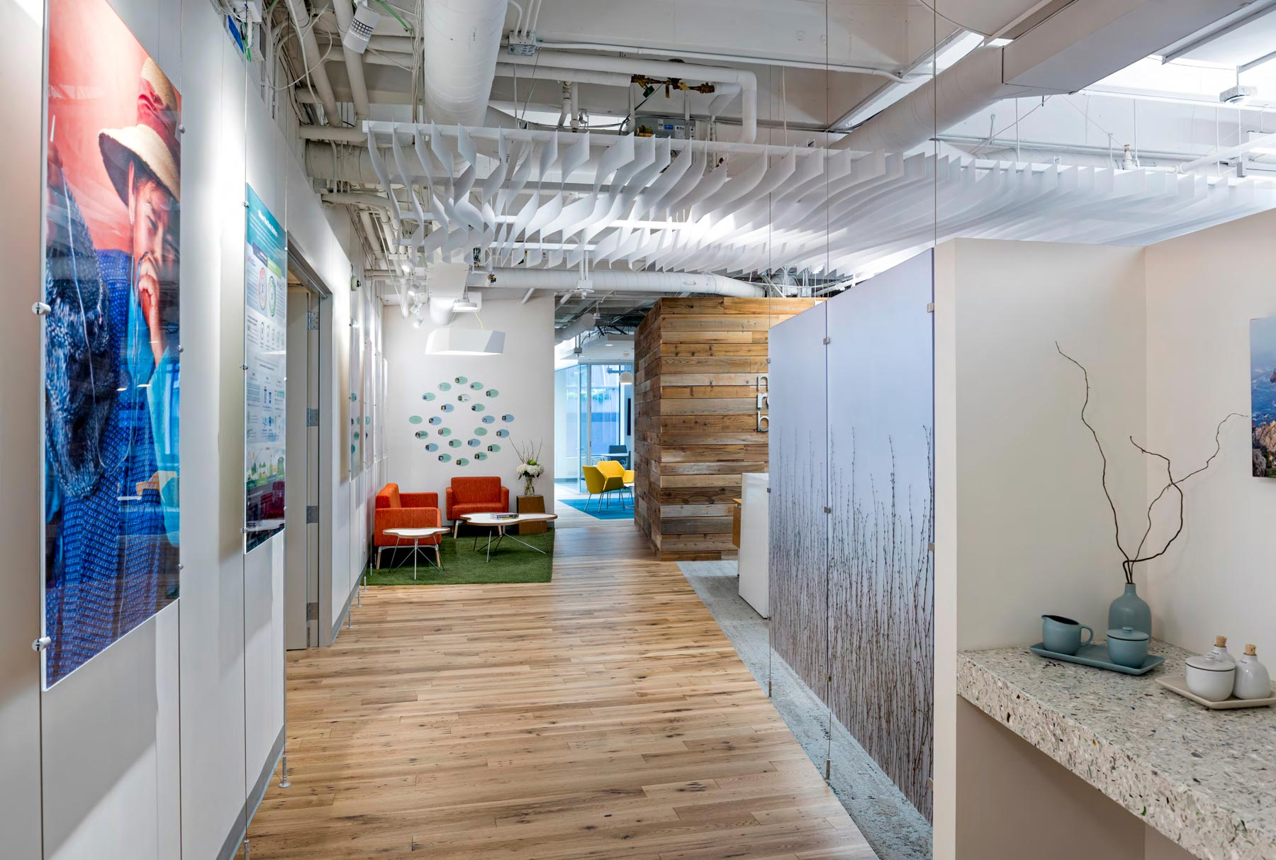 Arktura Atmosphera® contour installed in New Resource Bank office