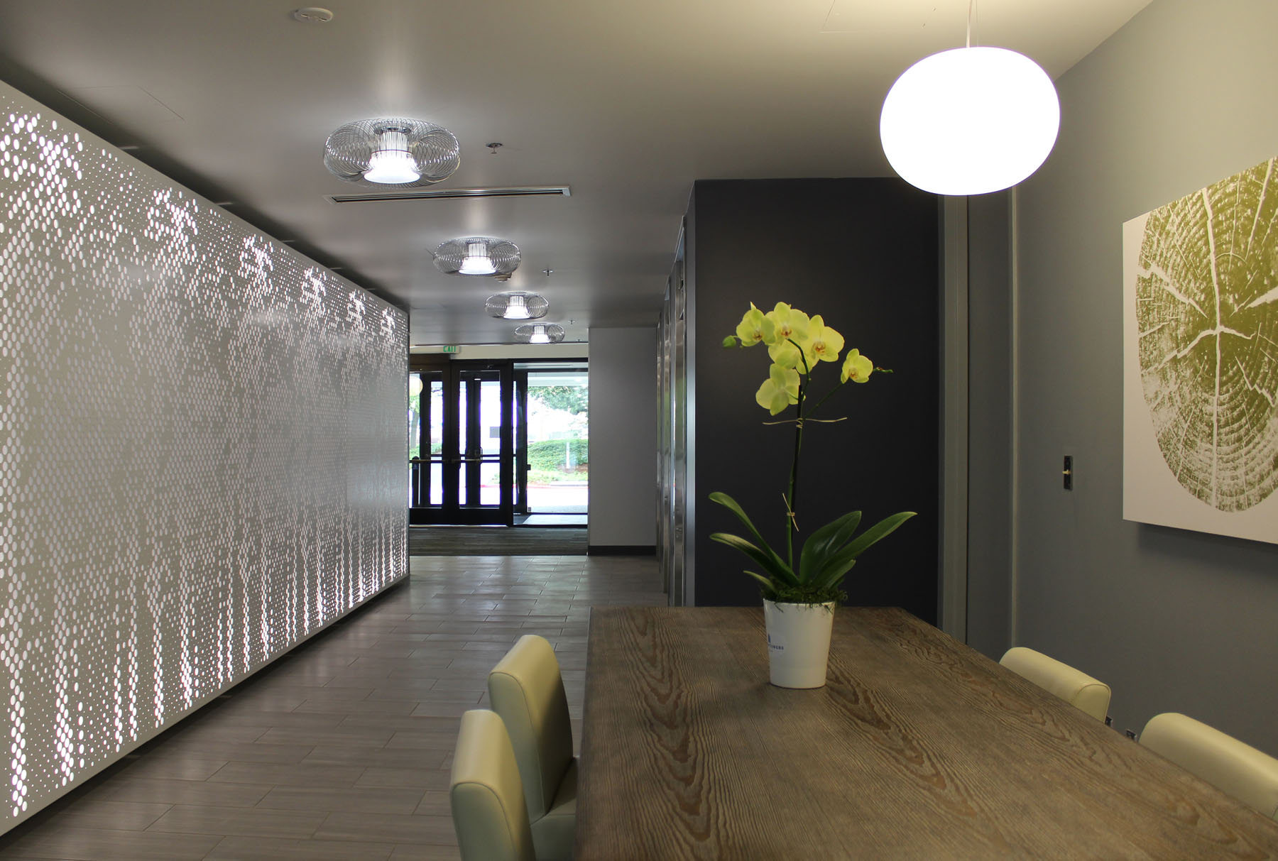 Arktura Graphic Perf® Standard Folia installed in lobby.