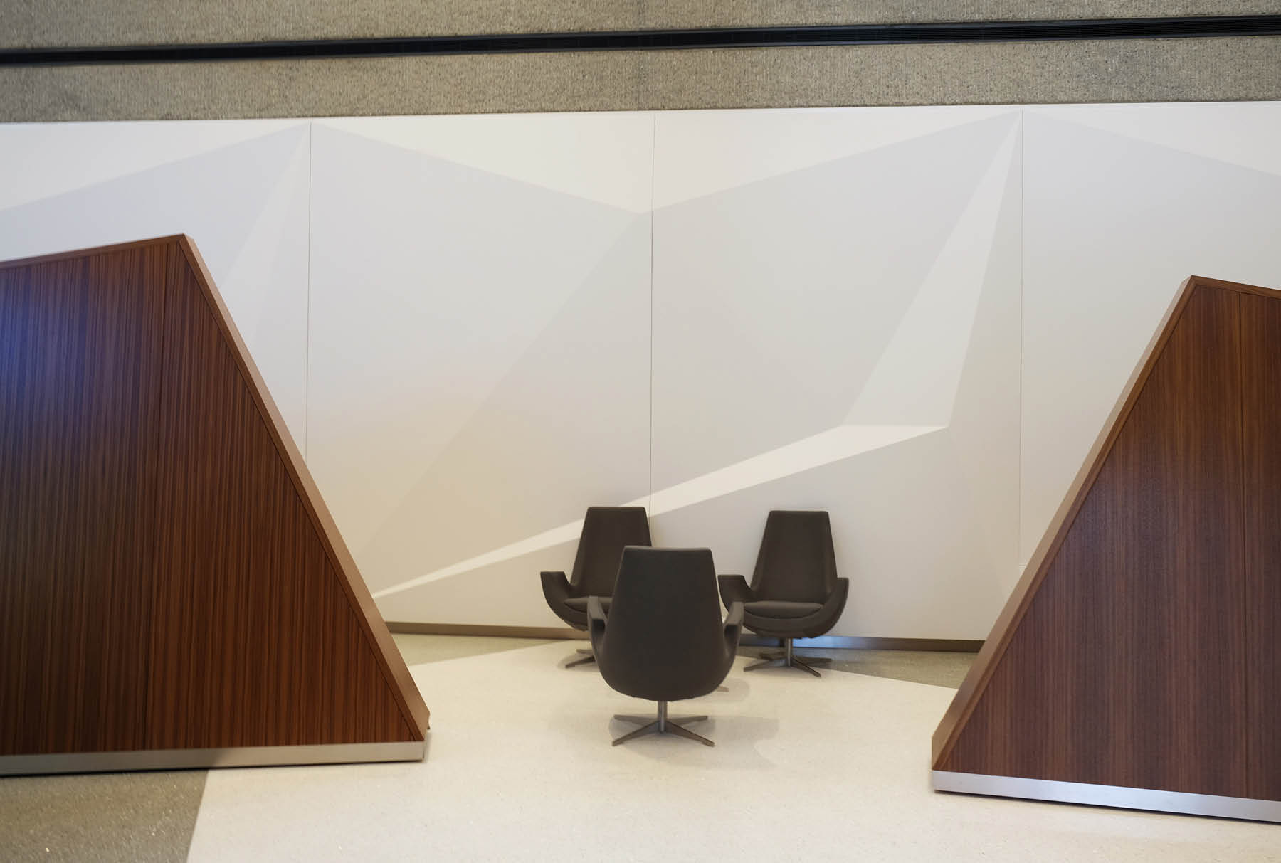 Arktura Solution Studio faceted wall for Norfolk Southern